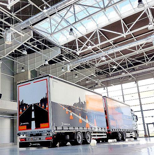 Rodzaje naczep oraz przyczep do aut ciężarowych